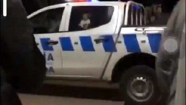 FIESTA DE LA NUEVA NORMALIDAD Denuncia por aglomeración terminó con policías heridos, balas de goma y detenidos