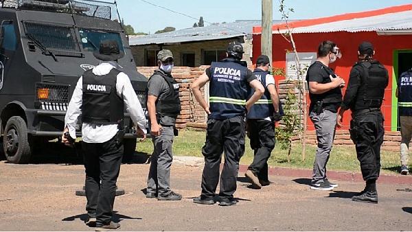 Más de 40 detenidos en megaoperativo con 200 policías y 16 allanamientos