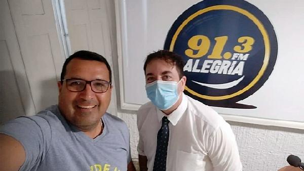 La visita a la Radio del Dr Gabriel Sanguinet de Instituto Punto Com